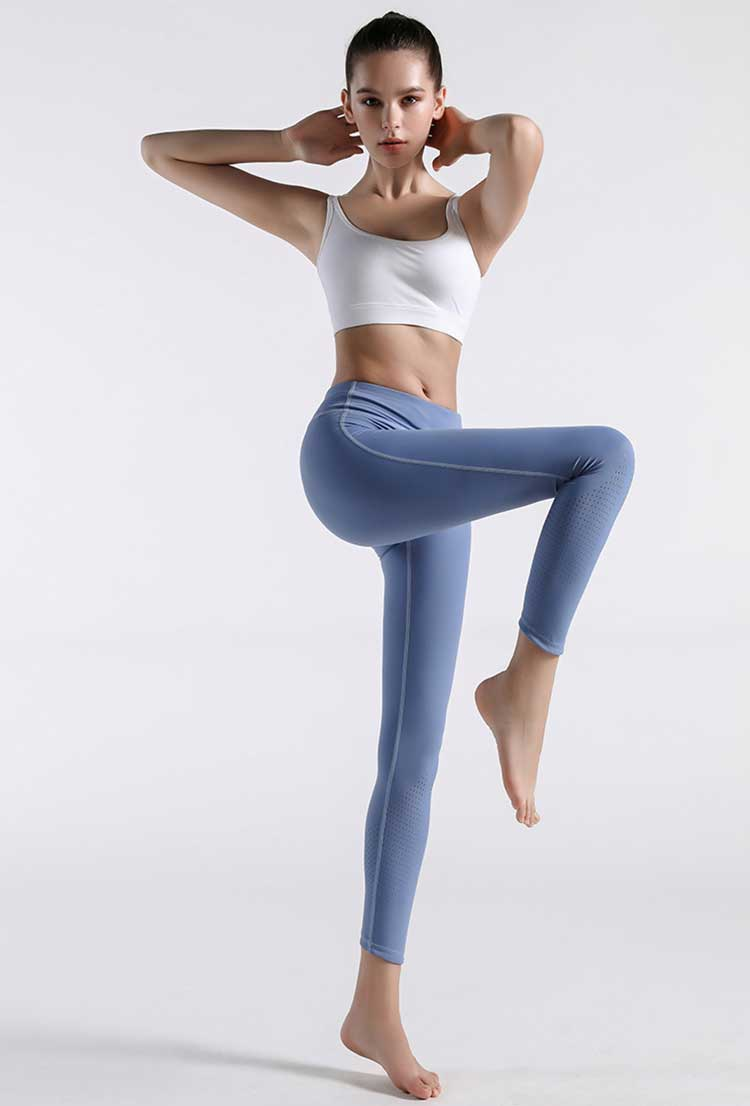 Blue-women-tights-model-show