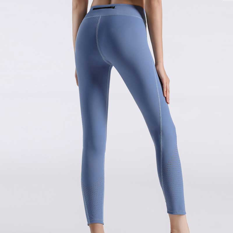 Women-tights-with-zip-pocket
