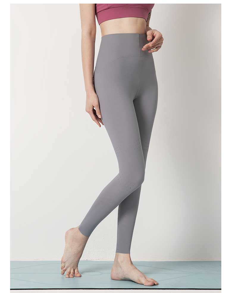 This fitness legging high waist has the feeling of smooth line, simple and stylish, giving people the light feeling.