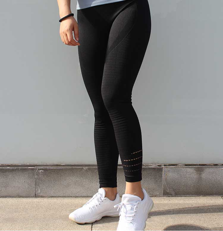 Front-side-of-high-waisted-seamless-leggings