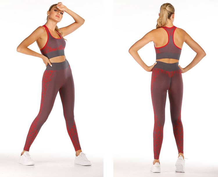 Leopard print design for red seamless sports leggings