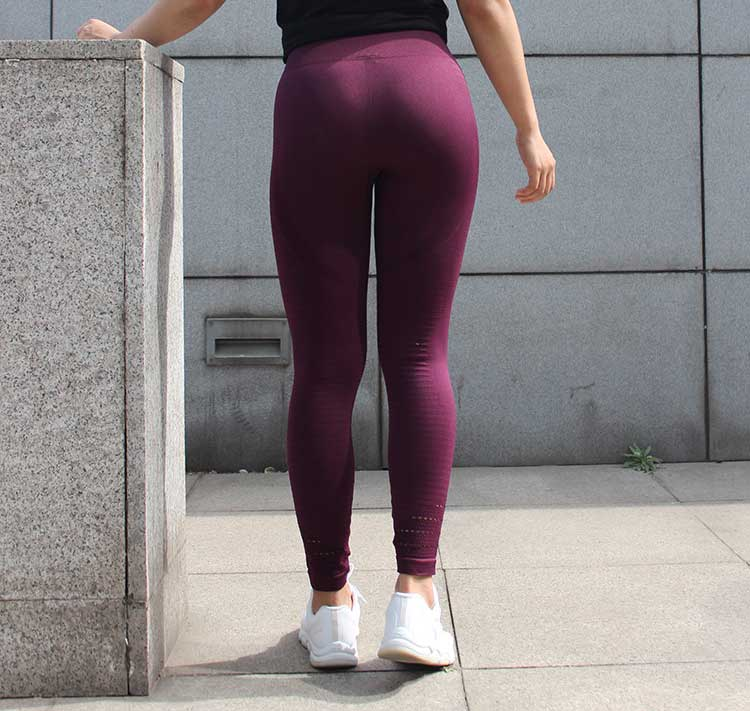 Wine-red-seamless-leggings-high-waisted-design