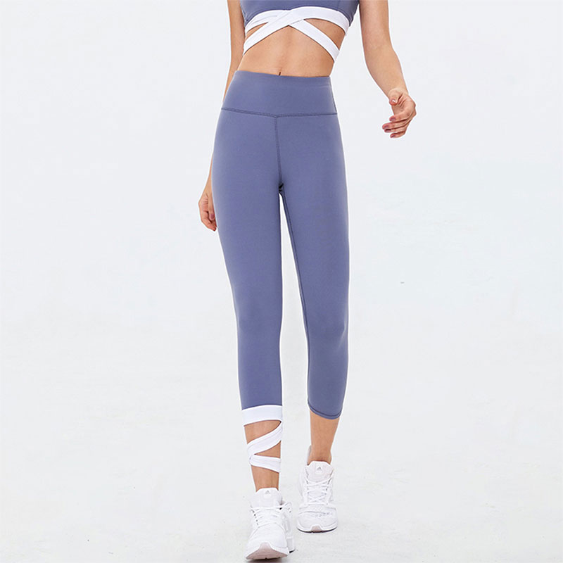 yoga-pants-with-foot-straps