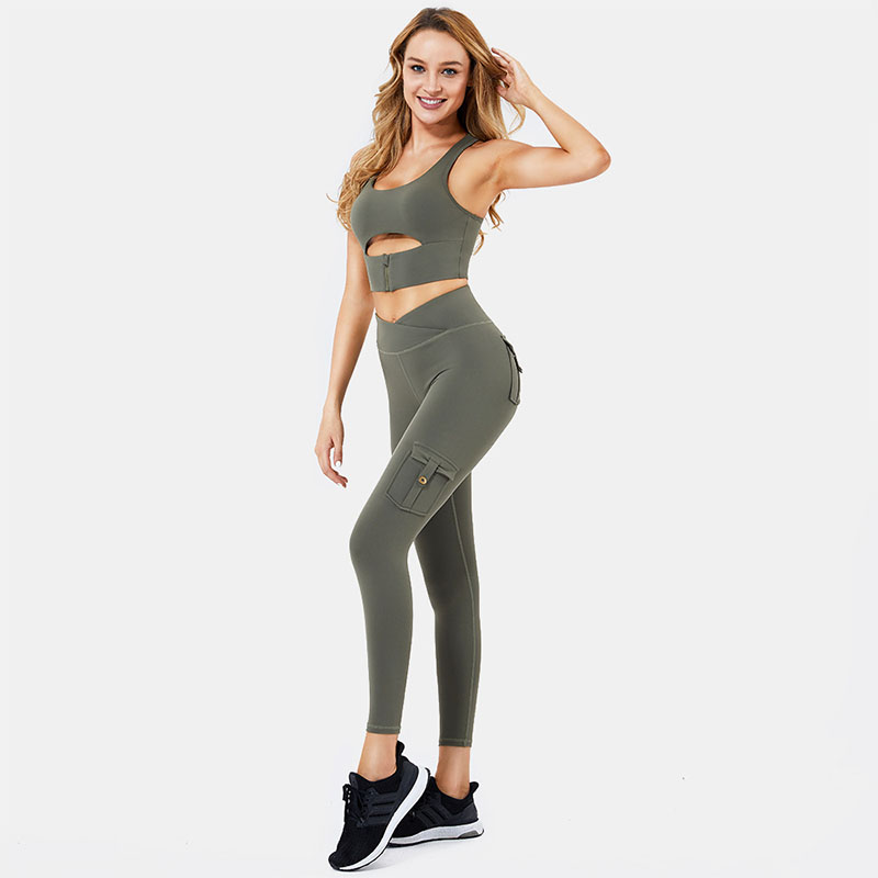 Gym pants with pockets